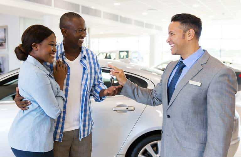 how to be a used car salesman